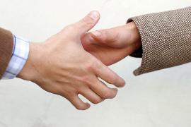 Appeler un médiateur pour régler un litige en matière d'assurance