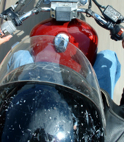 Prêtez votre moto sereinement avec la garantie prêt du guidon