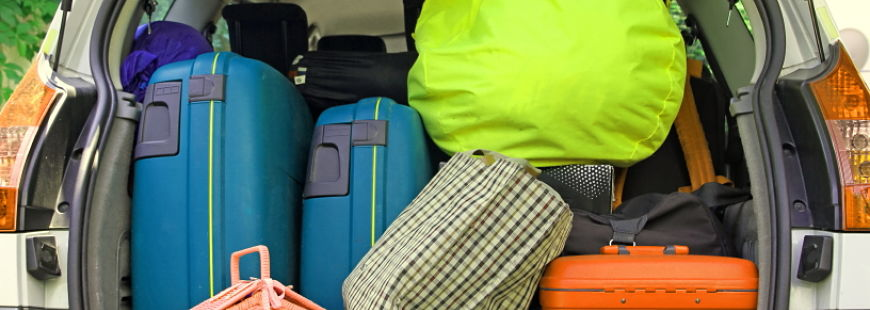Arriverez-vous à faire rentrer tous ces bagages dans la voiture ?
