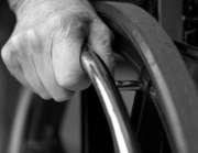 La sclérose en plaques peut mener à un paralysie des membres
