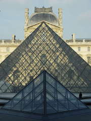 louvre-pyramides