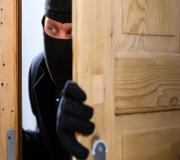 Dissuader le voleur d?entrer en le ralentissant