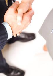 Pour mener à bien votre projet immobilier, il faut une assurance crédit. Comparez pour trouver l'offre adaptée !