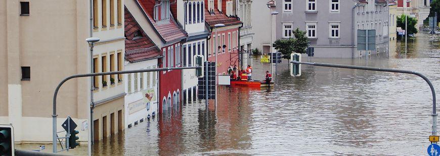 Inondations : AXA et Suez main dans la main