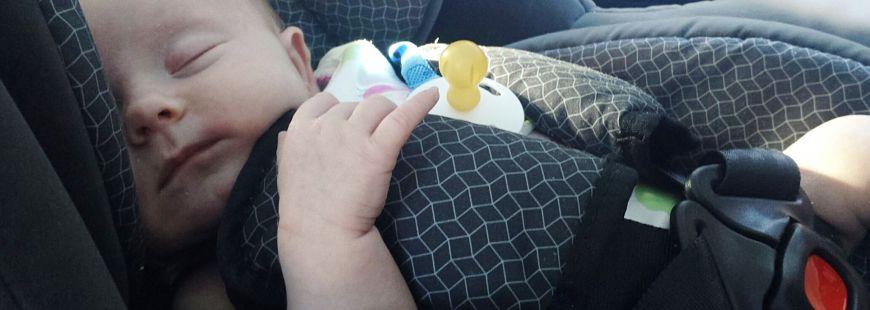 Bien attacher son enfant en voiture : une question de sécurité